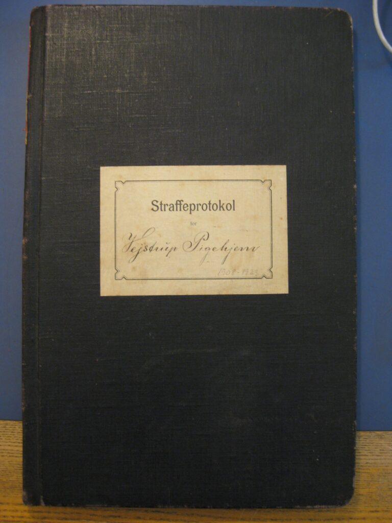 Straffeprotokol fra Vejstrup pigehjem. (VPA 1908-1923, Rigsarkivet)